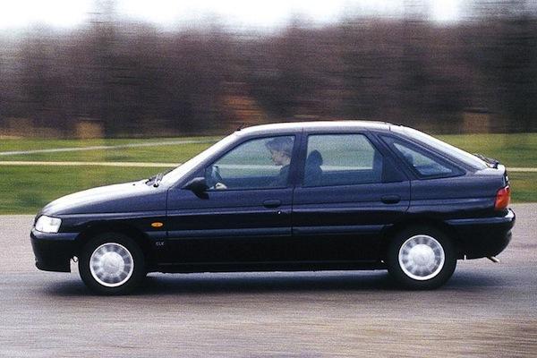 Ford-Escort-1.8-um-carro-usado-opcao-de-compra