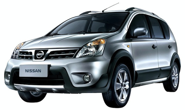 Nissan-Livina-X-Gear-carro-usado-com-muito-espaço