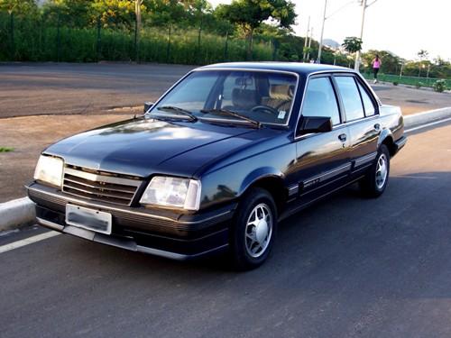 chevrolet-monza-carro-usado-carro-muito-conservado