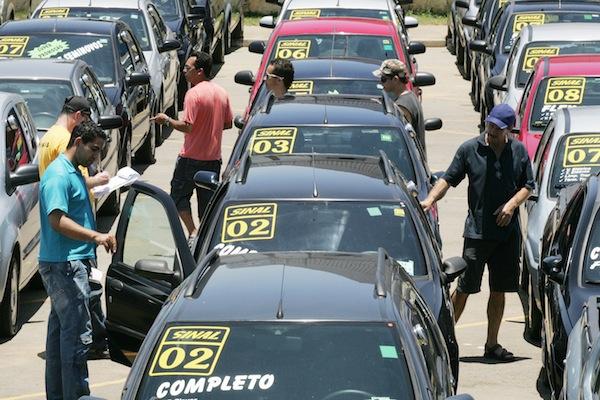 10 dicas para comprar um carro usado