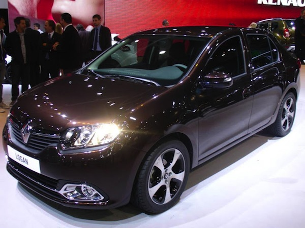 Novo Renault Logan carro popular familiar