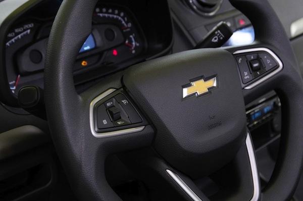 Novo-Chevrolet-Agile-2014-volante