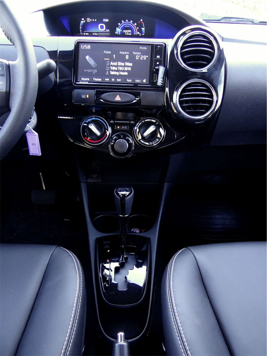 Etios ar condicionado manual