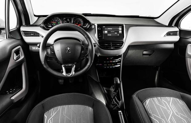 Peugeot 208: pequenas mudanças no interior