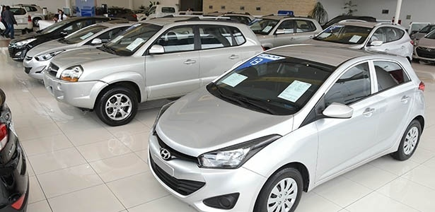 É preciso tomar alguns cuidado na hora de comprar carros usados