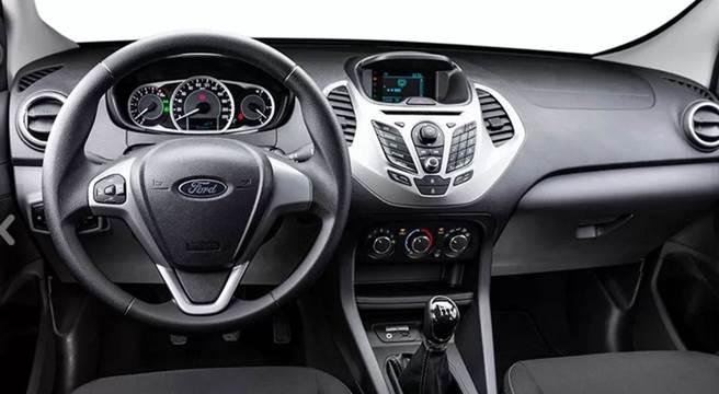 Ford Ka+ painel moderno