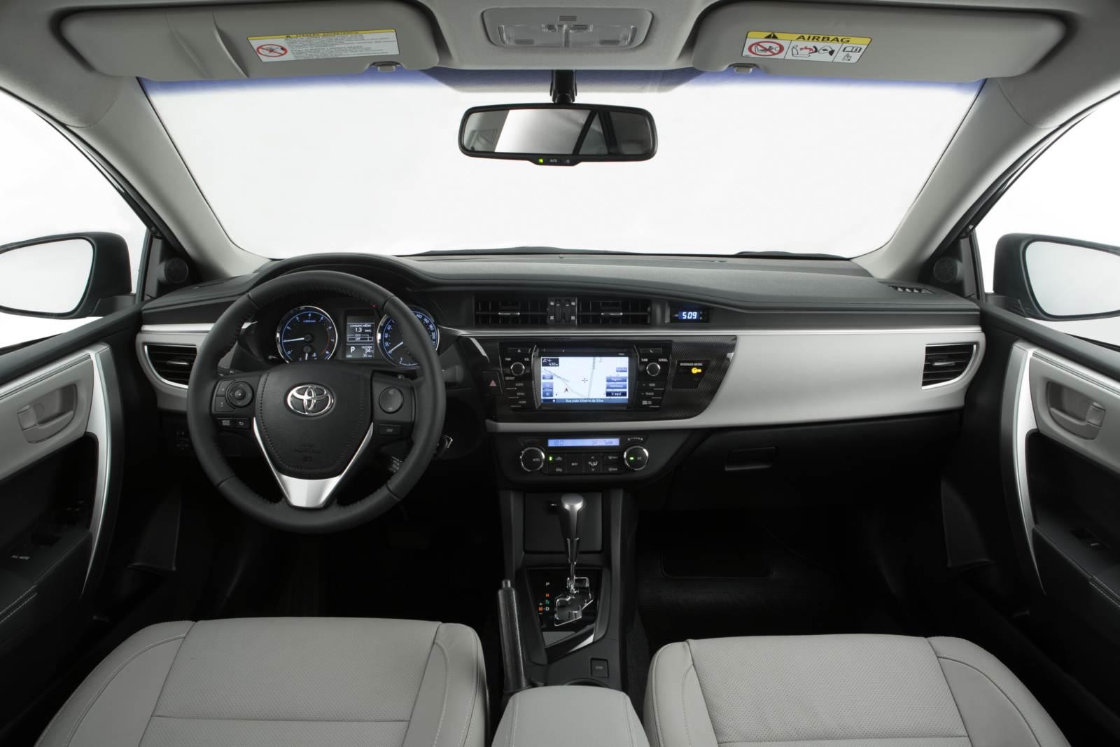Corolla 2015 interior quase perfeito