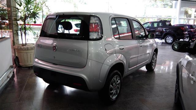 Fiat Uno: na traseira apenas a lanterna ganhou novos desenhos internos