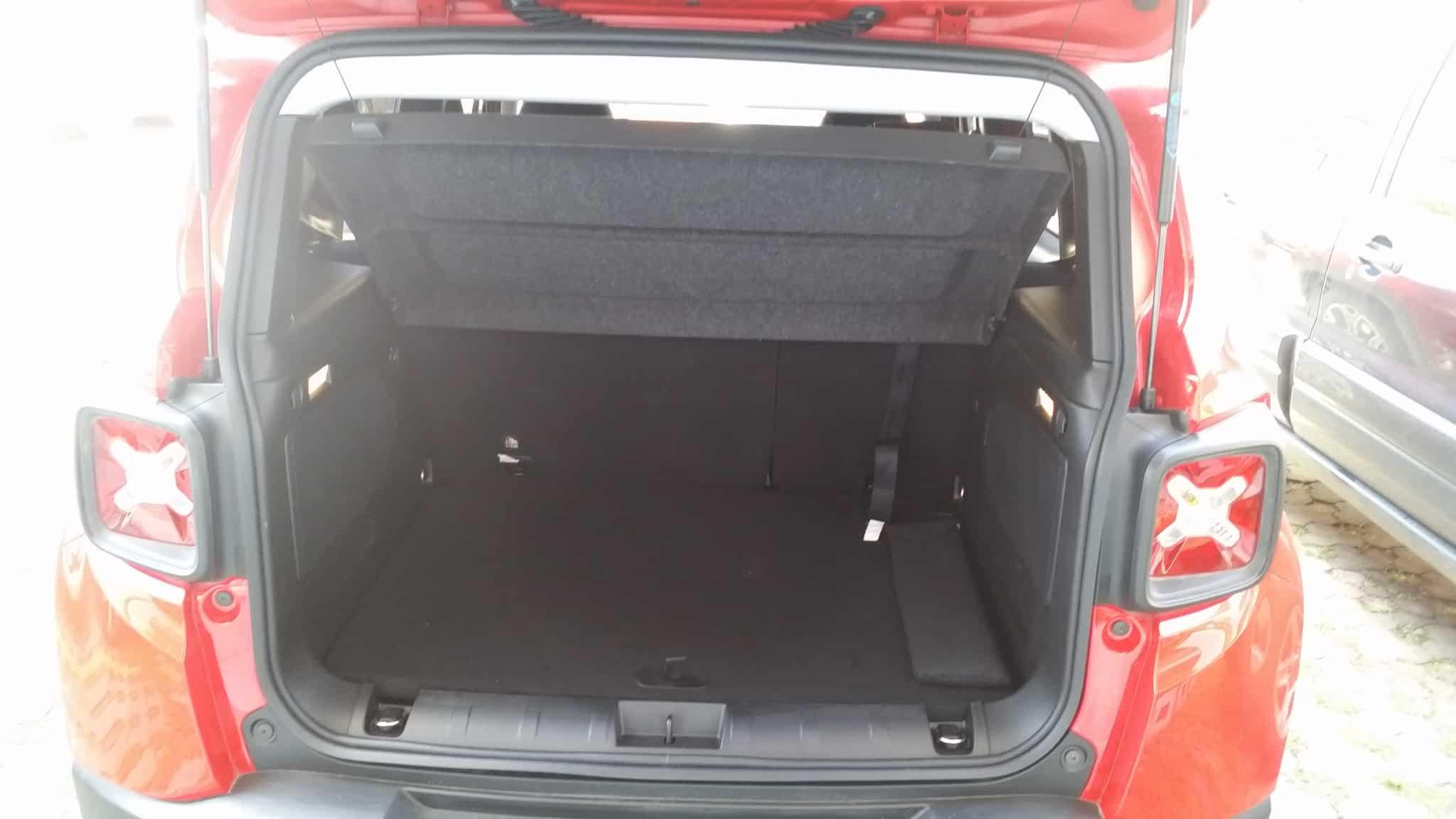 Renegade: seu ponto fraco é a pequena capacidade de carga do porta-malas