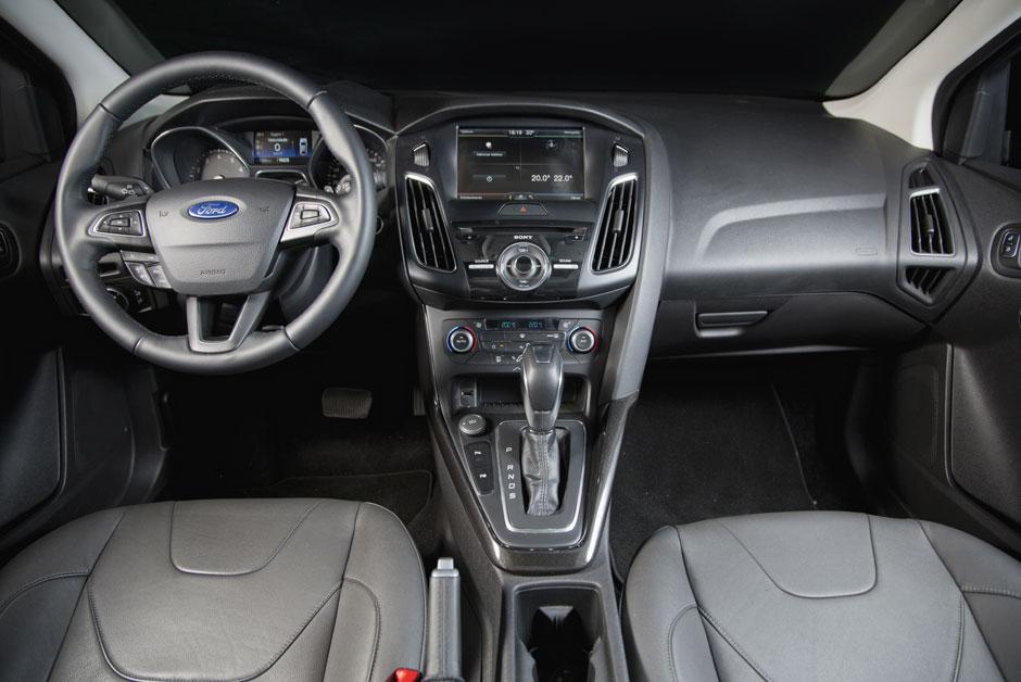 Ford Focus: interior caprichado, mas, com problemas nos encaixe das peças