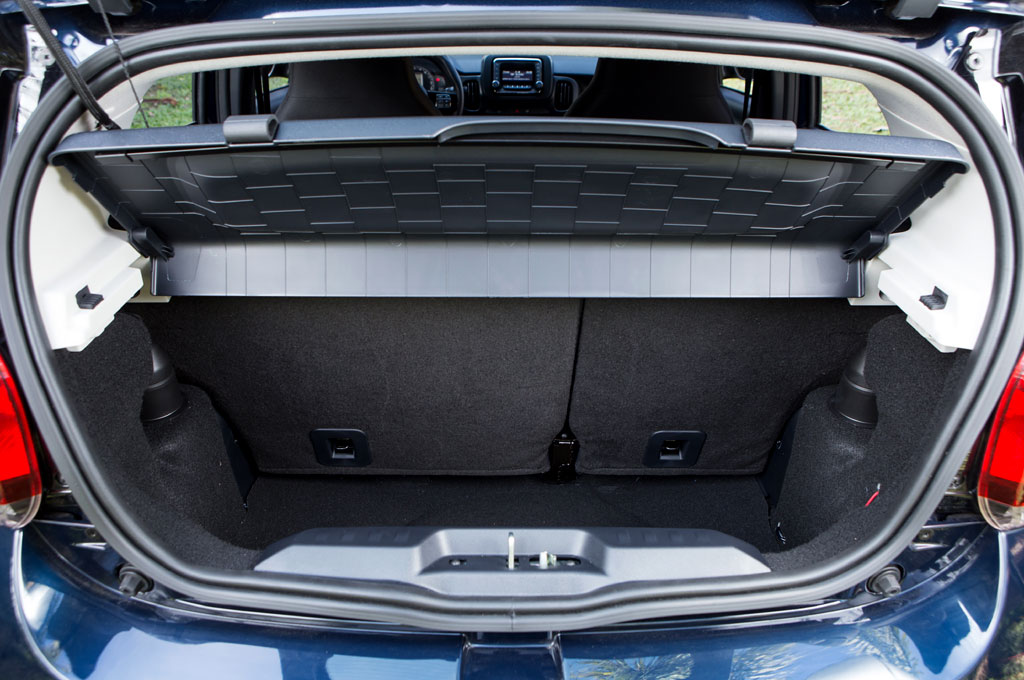 Fiat Mobi porta-malas com 215 litros